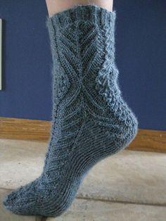 Ravelry: Ruffled Cravat Socks pattern by Kate Sawatsky -free Crochet Socks, Knit Or Crochet, Knitting Socks, Hand Knitting, Knit Basket, Wool Socks, Fashion Socks, Knitting Accessories, Slippers