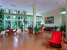 Salão interno no Hotel Cataguases, criado pelo arquiteto Aldary Toledo.