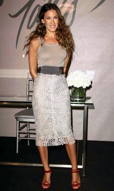 Sarah Jessica Parker Wearing A Floral Pencil Skirt And Red Shoes At The 'Liquid Satin' Perfume Launch, 2006