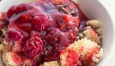 Crock pot cherry pudding cake a fantastic combination of cherry filling Slow Cooker Desserts, Crock Pot Desserts, Crock Pot Cooking, Slow Cooker Recipes, Crockpot Recipes, Cooking Recipes, Dessert Recipes, Cake Recipes, Pudding Recipes