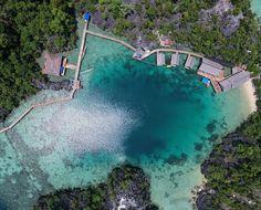 Banyak yang bilang kalau pulau ini tak kalah menarik jika dibandingkan dengan Raja Ampat yang ada di Papua. Baik dari pemadangannya, maupun keindahan bawah lautnya. Yaa.. nama pulau ini adalah Pulau Labengki yang terletak di Konawe Utara - Sulawesi Utara. . . Photo by : @ichan.ikhsan . .  #Labengki #Sombori #telukcinta #opentriplabengki #goakelelawar #bluelagoon #pulaukhayangan #pesonaindonesia #indonesia #wonderfulindonesia #tukangjalan #tukang_jalan #tukangjalantrip #wisataindonesia…