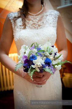 43-hallsannery-wedding-north-devon-bideford-bride-flowers