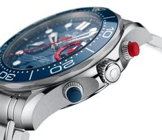 Omega Seamaster Diver 300M America's Cup Chronograph Detalle pulsadores y carrura Auckland, James Bond, Rolex Watches, Watches For Men, Omega Seamaster Diver 300m, Watch Blog, Bracelet Box, Watch Model