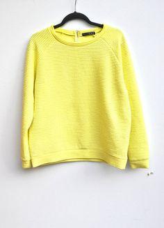 Kup mój przedmiot na #vintedpl http://www.vinted.pl/damska-odziez/bluzy/17364566-kanarkowozolta-bluza-z-zamkiem