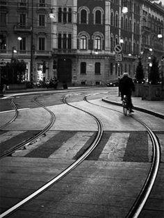 Tram binaries in Milan