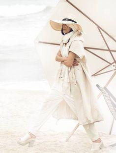 Vogue Brasil April 2015 | Amanda Wellsh by Zee Nunes