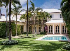 palm+beach+real+estate+calling+it+home+coastal+decor+living+palm+tree+pool+.png (600×444)