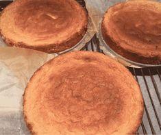 Fantastisk opskrift på en god klassisk lagkagebund - lavet på ganske få ingredienser og kort tid. Opskriften har jeg fået af Mette, som har opskriften fra sin kære mormor - så vi har her en god gammel opskrift, som man kan sige er gået i arv. Cook N, Cornbread, Food Inspiration, Cupcake Cakes, Cake Recipes, Cake Decorating, Sweet Tooth, Deserts, Food And Drink