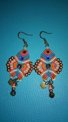 Boucles d'oreilles en macramé, bohème chic, orange, corail et turquoise, rocailles japonaises Miyuki et tchèques : Boucles d'oreille par elyss-craft