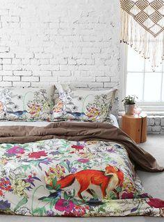 мне всегда очень нравились низкие кровати и белые кирпичные стены