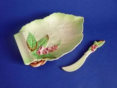 Rare Carlton Ware Green 'Foxglove' Cheese Tray and Knife (Sold) Carlton Ware, Cup And Saucer, Dinnerware, Tea Pots, Chips, Tray, Antiques, Tableware, Ethnic Recipes