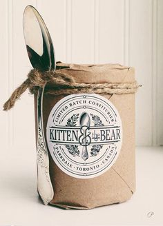 Kitten & the Bear Jam Confiture. Perfect packaging for our JAM! Jam Packaging, Food Packaging Design, Pretty Packaging, Brand Packaging, Paper Packaging, Packaging Ideas, Sugar Packaging, Simple Packaging, Vintage Packaging