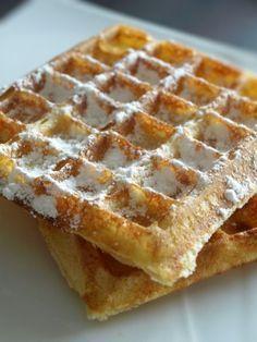 Gaufres crousti-moelleuses Crepes, Croissants, Breakfast Recipes, Dessert Recipes, Waffle Bar, Good Food, Yummy Food, Nutella, Sweet Recipes