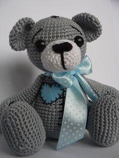 Háčkovaný macík ŠTOPLíK v modrom #medved #medvedik #hackovanie #handmade #hracka #medvidek #deti