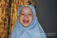 Makcik Rehan: Tutorial Telekung Kanak-kanak Felt Cushion, Hijab Tutorial, Sewing For Kids, Dressmaking, Sewing Projects, Face, Pastel, Fashion, Sew Dress