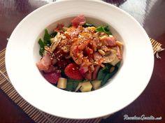Aprende a preparar ensalada de espinaca, bacon y champiñones con esta rica y fácil receta.  En esta receta vamos a realizar una deliciosa opción de ensalada con...