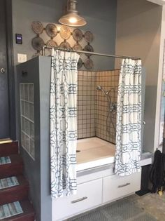 Five Dog Grooming Tips and Tricks Our new dog wash station in the Diy dog nursing station Tips And Tricks, Room Interior, Interior Design Living Room, Diy Dog Wash, Dog Washing Station, Dog Grooming Tips, Dog Clothes Patterns, Dog Rooms, Pillow Room