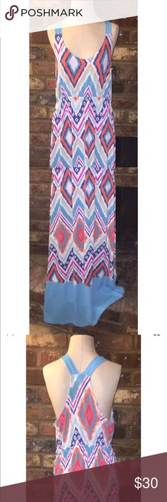 "Plus size maxi dress w/ikat diamond shape design Just Be women's Plus Size Maxi Dress. Women's 1x dress with colorful Ikat diamond design. Also includes a blue color block at the bottom of the dress. The back is complete with racer back design that also make an X. The dress is used but in great condition.   Armpit to armpit: 19""  Length: 48""  All measurements are laying flat just be... Dresses Maxi"