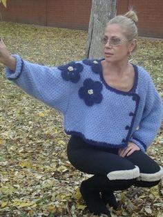 Кофты и свитера ручной работы. Жакет вязаный укороченный мохеровый с цветами. Светлана Волкодав. Интернет-магазин Ярмарка Мастеров. лавандовый