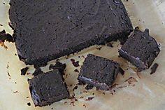 Skvelý recept na zdravé brownies bez múky a cukru. Sú z fazule, no tú tam ani nepocítite! Skúste a presvedčte sa. Je to jeden z mojich najobľúbenejších dezertov. Ingrediencie: 1 a ¼ šálky čokoládových kúskov (horká čokoláda 70%+) 1 plechovka čiernej fazule, opláchnutej a vysušenej ¼ šálky kakaový prášok, nesladený 2 vajcia ⅓ šálkyolivový olej […]