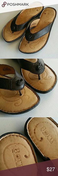 Born leather sandaks, sz 8 Brown leather sandals, size 8 In great pre-owned condition Born Shoes Sandals