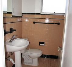 Makeup vanities master bedrooms and ideas for small for Peach tile bathroom ideas
