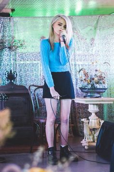 Sky Ferreira is so skinny and fragile! ❤️❤️❤️