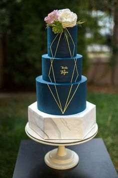Wedding cakes, you gotta try the truly useful pin suggestion number 4129717666 right here. #blackandwhiteweddingcake Elegant Wedding Cakes, Beautiful Wedding Cakes, Wedding Cake Designs, Beautiful Cakes, Dream Wedding, Rustic Wedding, Blue Wedding Cakes, Cake Wedding, Beautiful Bride