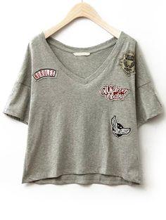 Camiseta cuello V bordada -gris 12.42 SHEIN