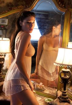 """SHELL BELLE COUTURE LUXURY LINGERIE NOW ONLINE. """"BEAUTIFULLY UNDRESSED"""" IN A CLICK!"""