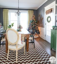 Holiday Home Tour via Inspired by Charm - Dining Room #IBCholiday