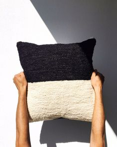 Casa Cubista presents a modern take on traditional craft, made in the towns and villages of rural Portugal. We think it's handmade that makes a home. Wash Pillows, Throw Pillows, Beauty Express, Down Feather, Black And White Colour, Cotton Pillow, Rug Making, Cushion Covers, Industrial Style