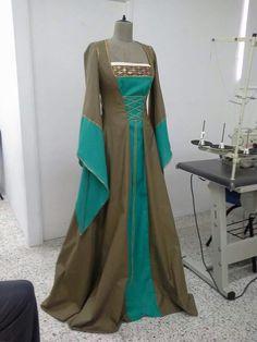 Vestido Época Medieval   Por: Liliana Reyes