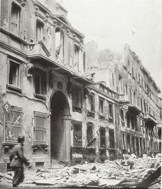 Bombing of 1943 in Milan Old Images, Old Pictures, Milan, Foto Poster, As Roma, Caravaggio, Genoa, Lake Como, Vintage Italian