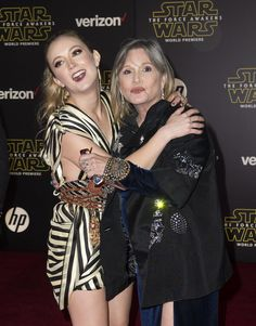 Carrie Fisher Had Entirely Too Much Fun With Her Daughter on the Star Wars Red Carpet