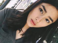"Liza Soberano - ""Literal na may gatas pa sa labi"" Most Beautiful Faces, Beautiful Hijab, Liza Soberano Instagram, Liza Soberano No Make Up, Lisa Soberano, Beauty Makeup, Hair Beauty, Girls Selfies, Asian Hair"