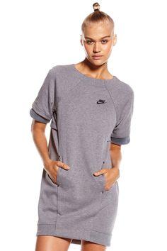 Nike Tech Fleece Dress Mesh – Carbon Heather / Dark Grey / Black