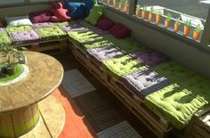 Pallets pallet benches and benches on pinterest - Construction salon de jardin en palette ...