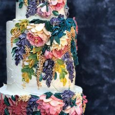 Such a stunning hand piped flower cake. These flowers look so real to me. Buttercream Wedding Cakes ( Such a stunning hand piped flower cake. These flowers look so real to me. Gorgeous Cakes, Pretty Cakes, Amazing Cakes, Buttercream Wedding Cake, Buttercream Flowers, Wedding Cakes With Flowers, Fancy Wedding Cakes, Floral Wedding Cakes, Cake Flowers