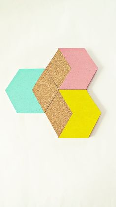"""3 Geometrische Kork-Untersetzer """"Hexagon"""" Pastell von Ahoj-2012 auf DaWanda.com"""