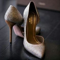 Love these heels.