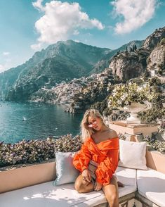 Planejando o Guarda-Roupa de Verão. Guarda lake in Europe. Luxury holiday travel in Europe. Sundress and travel in style Oh The Places You'll Go, Places To Travel, Travel Destinations, Adventure Awaits, Adventure Travel, Tumblr Ocean, Foto Casual, Travel Goals, Travel Tips