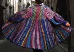 saweter w kolorowe paski