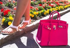 The perfect PINK bag! We believe in style over fashion, quality over brand - we are Nameless. Always great service and free shipping! The picture is from the fabulous blogger: | En mis zapatos