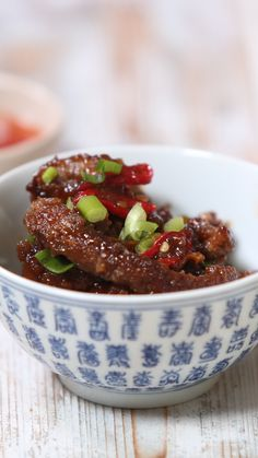 Sticky Chilli Beef This could well be your new favourite dish! The post Sticky Chilli Beef & * f o o d * appeared first on New . Meat Recipes, Cooking Recipes, Healthy Recipes, Meatball Recipes, Cooking Time, Asian Recipes, Beef Brisket Recipes, Cooking Bacon, Chinese Recipes