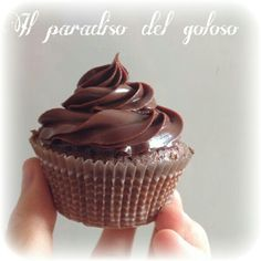 cupcake al cioccolato #CUPCAKE #halloween #solocosebuone #bakery #torte #cake #yummy #sugar art #patisserie #desserts #sweettooth #chocolate #eat #yum #delicious #tasty #hungry #yum #icecream #foodpics #TagsForLike
