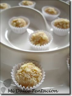 Trufas de chocolate blanco Chocolate Blanco, White Chocolate, Cake Pops, Truffles, Sweet Recipes, Muffin, Chocolates, Candy, Cravings