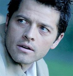 Misha Collins as Castiel Supernatural Destiel, Supernatural Pictures, Castiel Gif, Misha Collins, Castiel Angel, You Lied To Me, Sam Winchester, Winchester Brothers, Make It Through