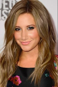 Dirty blonde hair color ,i wonder should I get this Golden Brown Hair Color, Brown Hair Colors, Hair Colour, Corte Y Color, Ashley Tisdale, Hair Day, Gorgeous Hair, Pretty Hairstyles, Blonde Hair