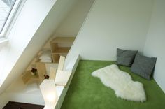 Wohngalerie #interior #penthouse #smallspace Architekt: DI Bernd Ludin, Foto: Gerda Eichholzer Shag Rug, Rugs, Home Decor, Commercial Real Estate, Homes, Shaggy Rug, Homemade Home Decor, Types Of Rugs, Carpet